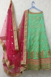 buy wedding lehenga on trinjhann